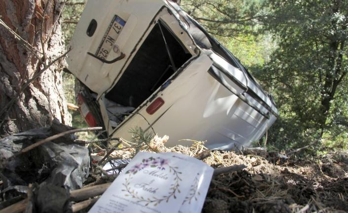 Kızının düğününden dönen baba, ormanlık alana uçtu: 2 ölü, 4 yaralı
