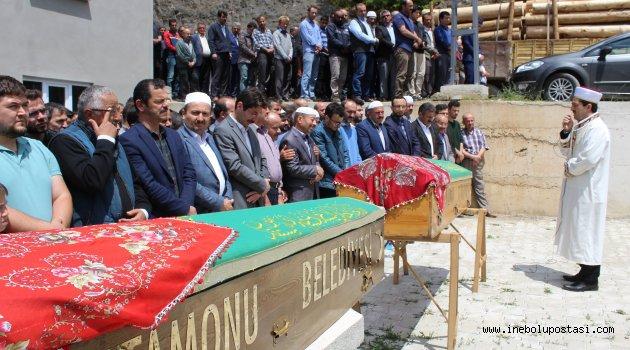 Kalecik'teki Kazada Hayatını Kaybeden Kuzenler Yanyana Toprağa Verildi