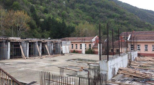 Kapalı Spor Salonunun yapımına yeniden başlandı
