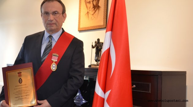 Mehmet Reis'e Onur Madalyası verildi