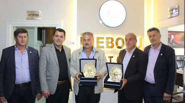 Ziraat Odası Başkanı Balaban'dan Muhtarlara Plaket