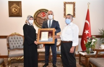 Şehit Arif Demirel'in ailesine Devlet Övünç Madalyası ve Beratı takdim edildi