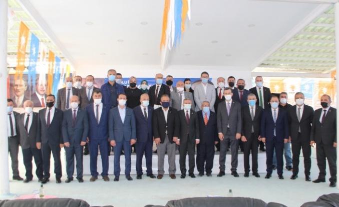 AK Parti'de Kömürcü güven tazeledi