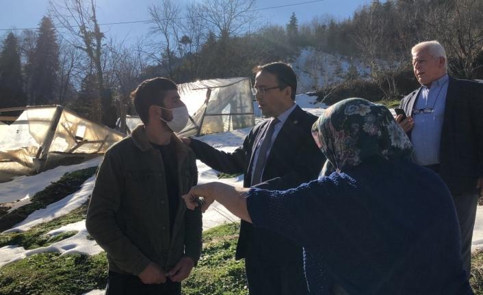 Milletvekili Hasan Baltacı, İnebolu'da seraları yıkılan üreticileri dinledi