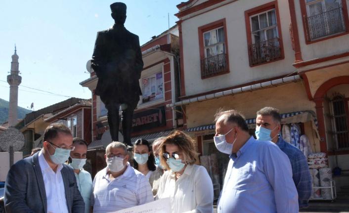 Atatürk Anıtı ve meydan düzenlemesi start alıyor