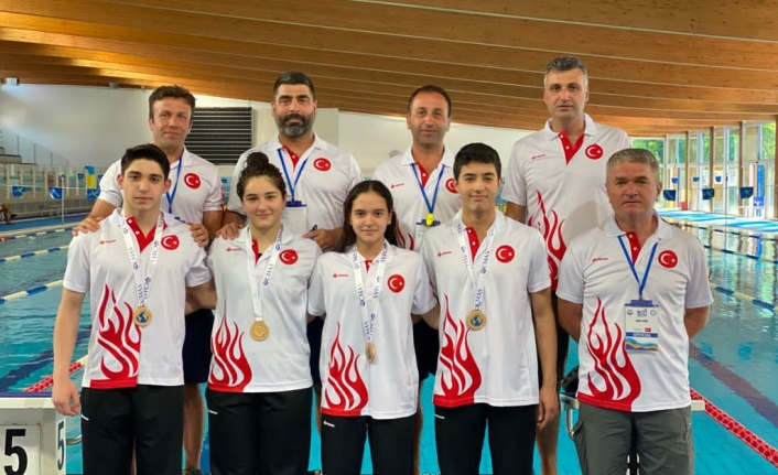 İnebolulu Zeynep Elbir ve arkadaşları İtalya'da dünya şampiyonu oldu