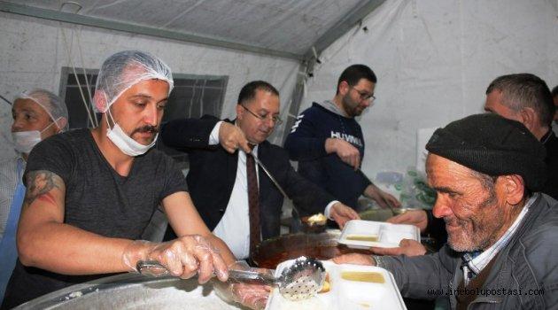 Belediye Gönül Sofrasında Vatandaşları Ağırlıyor