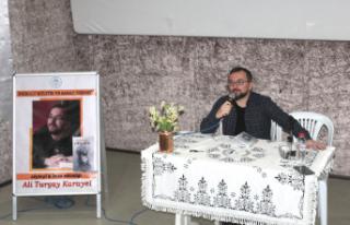 Eğitimci-Yazar Ali Turgay Karayel İnebolu'da okurlarıyla...