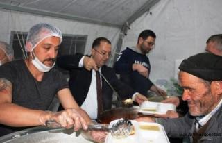 Belediye Gönül Sofrasında Vatandaşları Ağırlıyor...